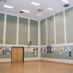 modular-acoustic-fabric-wrapped-panels-in-school-multi-purpose-room-Large-600x400